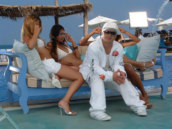 label-to-become-music-papa-ap-reggaeton-clip